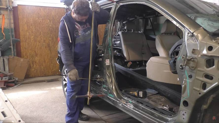 Watch How Easily This Wrecked Subaru Outback Gets A Second Life