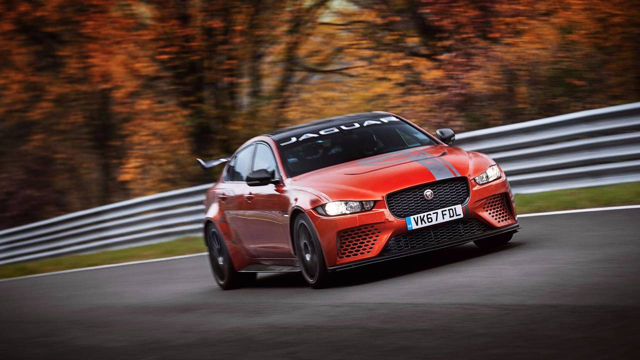 Berline 4 portes la plus rapide - Jaguar Project 8