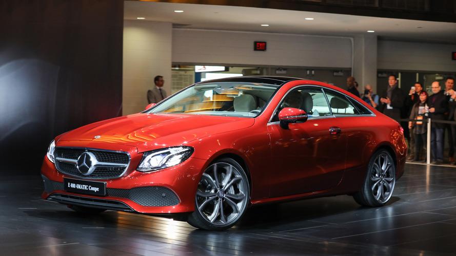 Salão de Detroit - Mercedes-Benz mostra Classe E Coupé e AMG-GT de aniversário