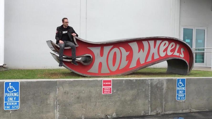 Conheça o divertido escritório da Hot Wheels pelo