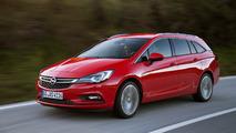 Opel Astra Sports Tourer Rojo