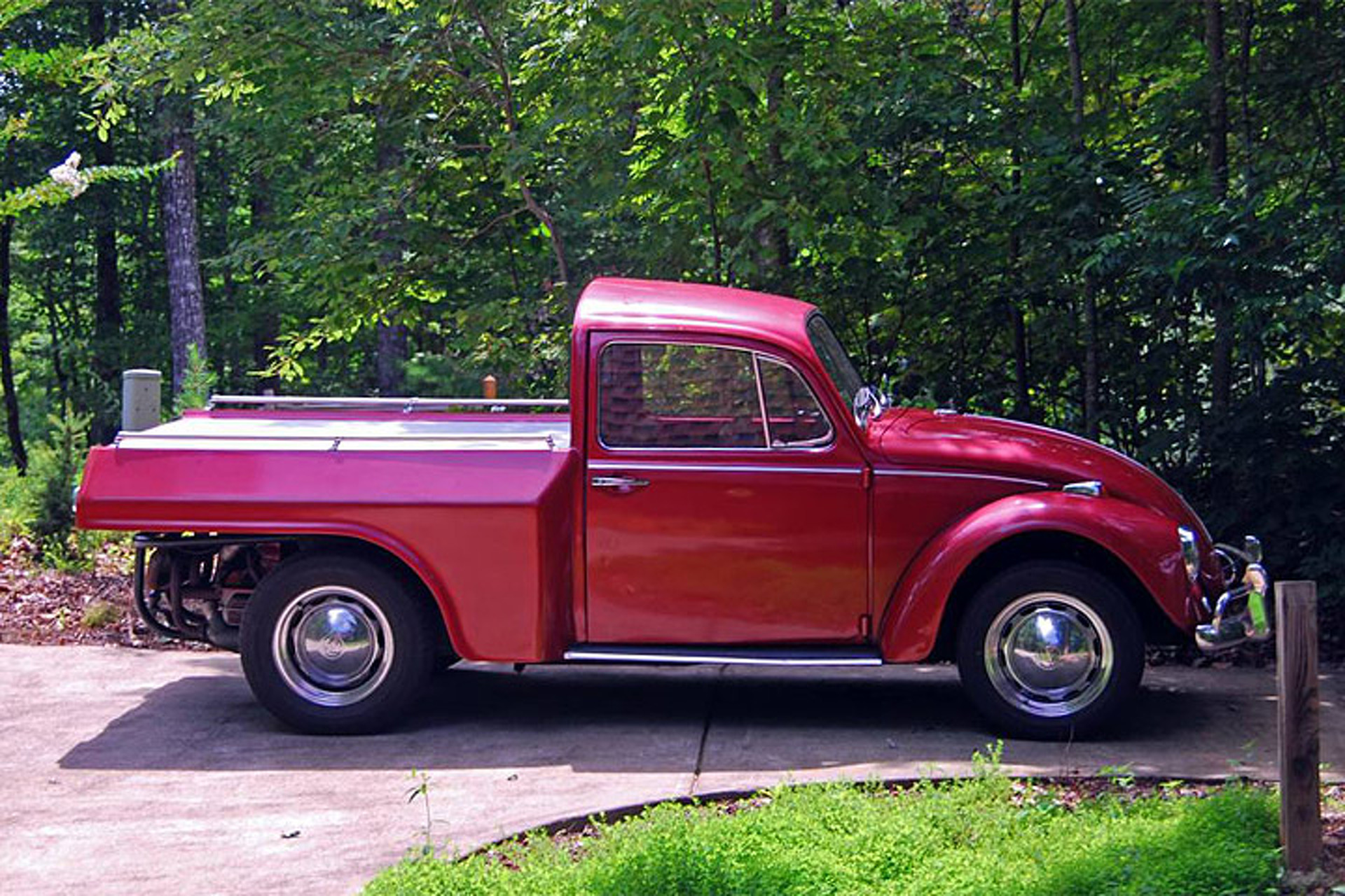 you can t help but love this 1967 vw beetle pickup truck conversion. Black Bedroom Furniture Sets. Home Design Ideas