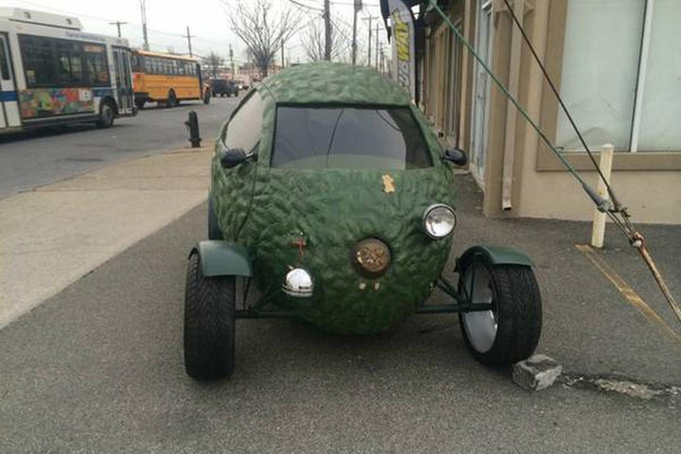 Found on Craigslist: Buy This Amazing Avocado Car!