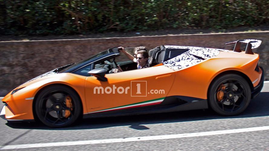 Lamborghini Huracan Performante Spyder çok az kamuflajla görüldü