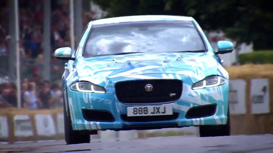 Daha güçlü Jaguar XJR da Goodwood tırmanma yarışında