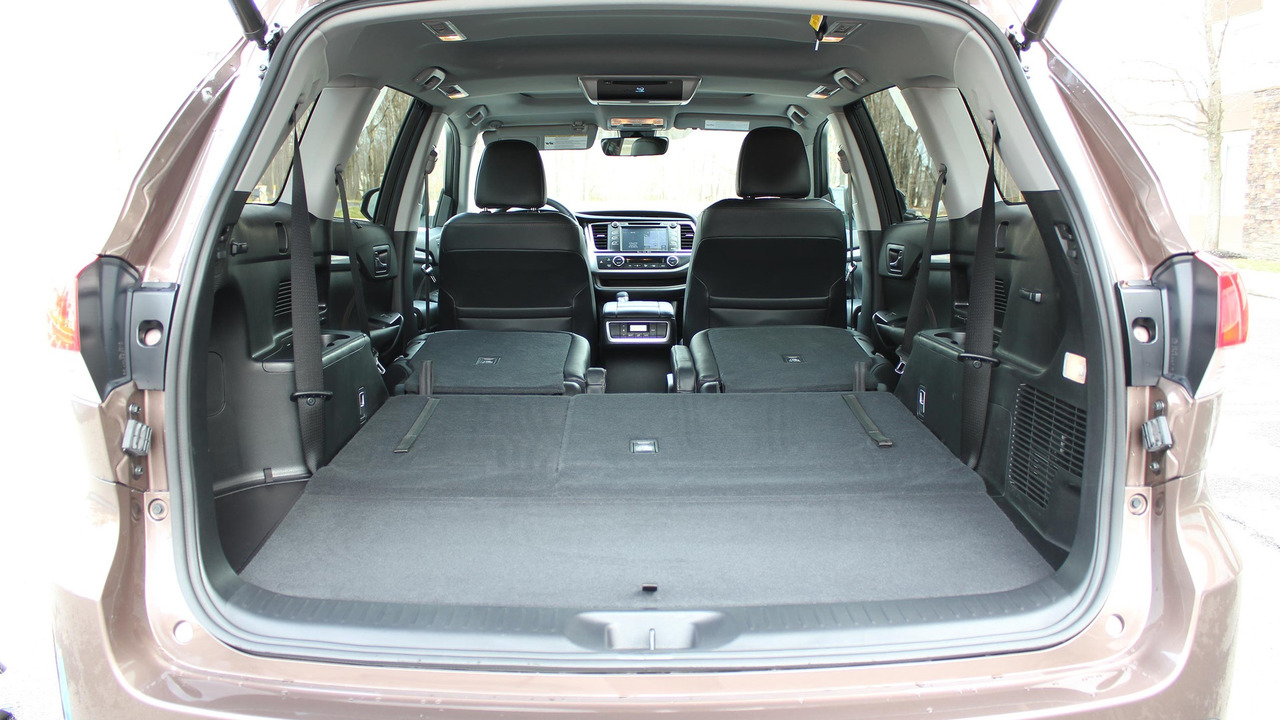 2017 toyota highlander review the camry of crossovers. Black Bedroom Furniture Sets. Home Design Ideas