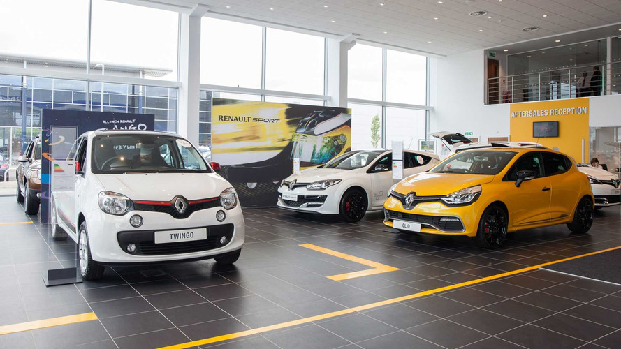Up to half of UK car dealerships expected to close by 2025