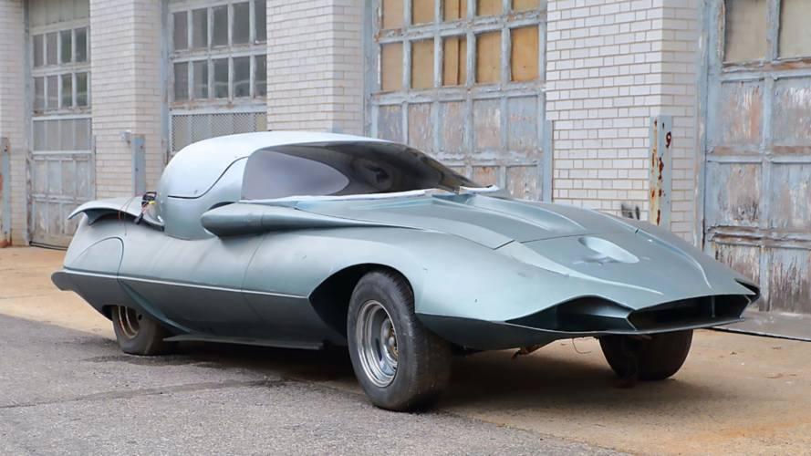 Son derece ilginç gövdeli bu Corvette açık artırmada