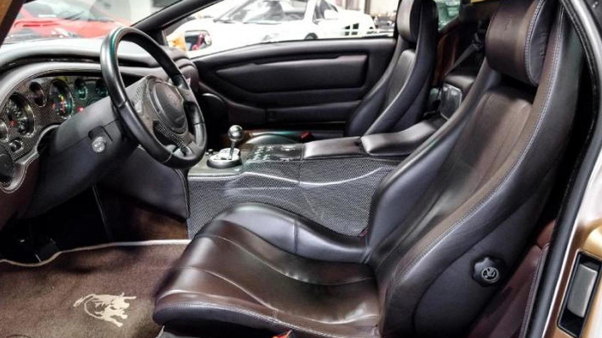 Сиденья-ковши в салоне Lamborghini Diablo 6.0 SE