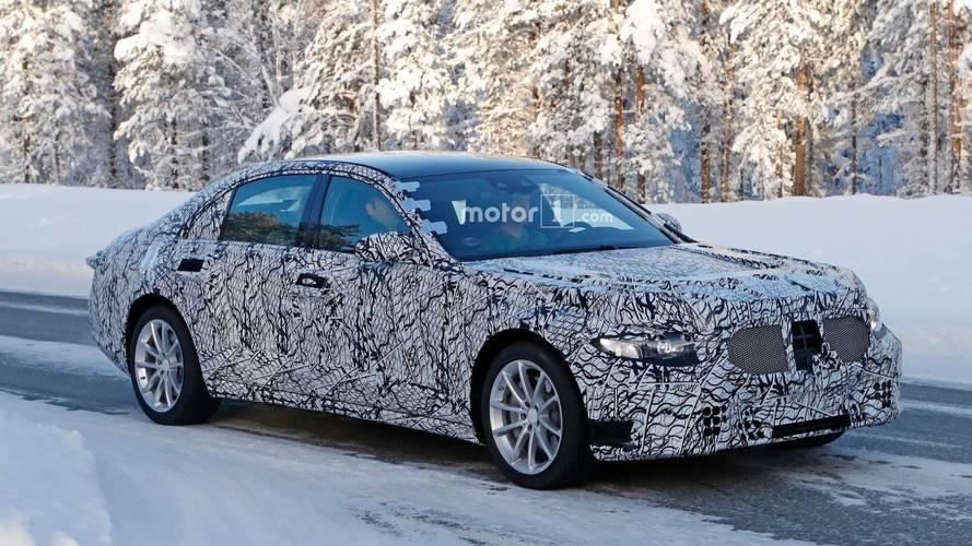 Mercedes Exec Hints About 2020 S-Class' High-Tech Interior