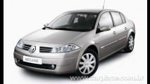 Queima de estoque? Renault Mégane 2011 é vendido por menos de R$ 47 mil