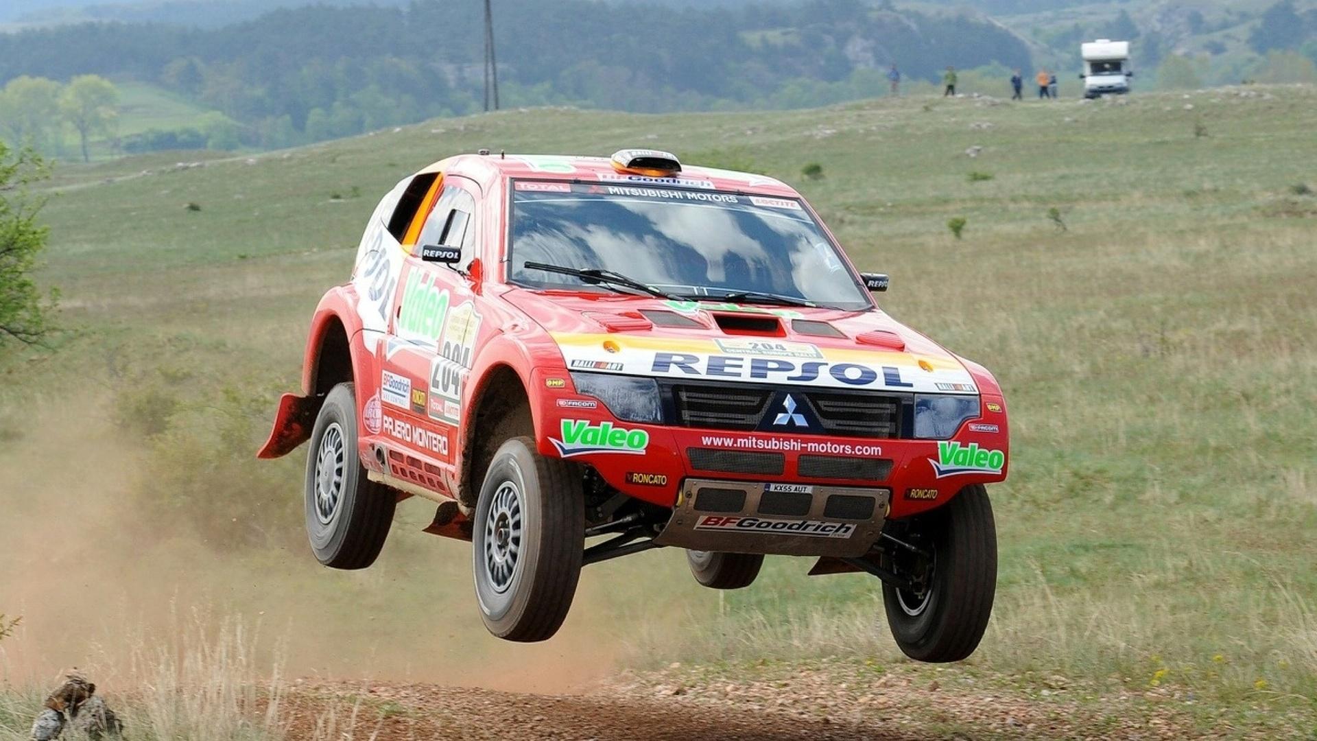 Mitsubishi Withdraws from Dakar Rally