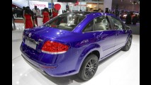 Fiat Linea ganha versão de visual esportivo e motor turbo na Índia