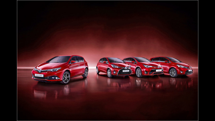 Toyota-Modelle erstrahlen in Tokio-Rot
