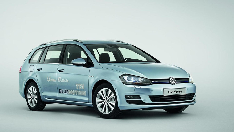 Volkswagen Golf Variant celebrates debut in Geneva [video]
