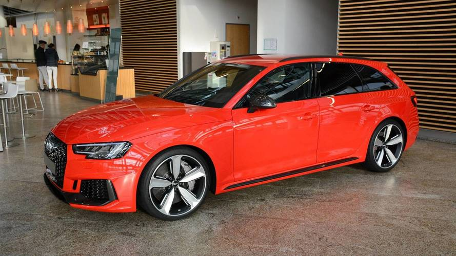 this 2018 audi rs4 avant looks bloody good. Black Bedroom Furniture Sets. Home Design Ideas