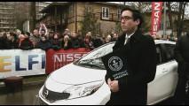 L'uomo più forte del mondo ha trainato 12 Nissan Note