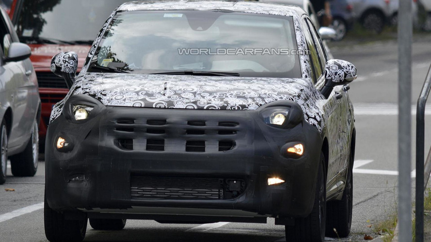 2015 Fiat 500X spied with less disguise