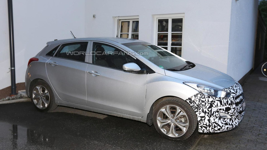 Facelifted Hyundai i30 spied up close