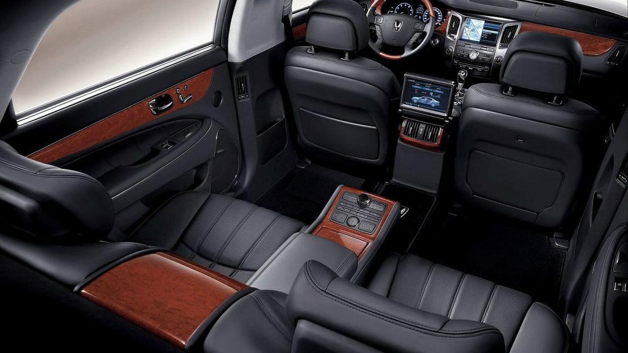Hyundai EQUUS Limousine - long wheel base version