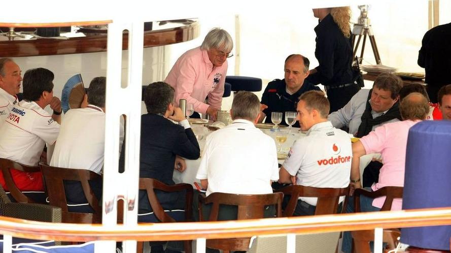 FOTA teams on 'collision course' - Ecclestone