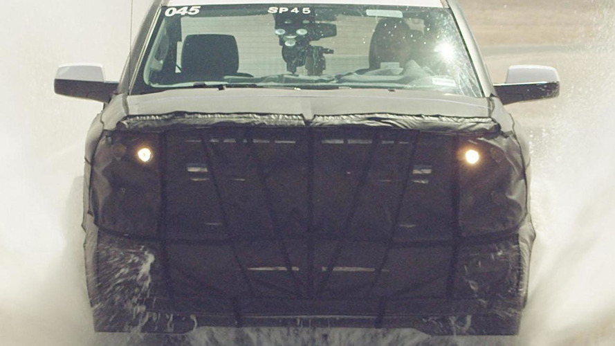 2014 Chevrolet Silverado teased in official spy video
