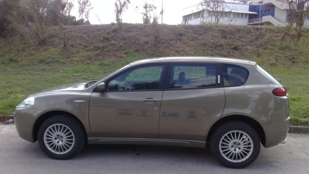 Alfa Romeo Kamal SUV spy photos, 29.09.2009 - 1325