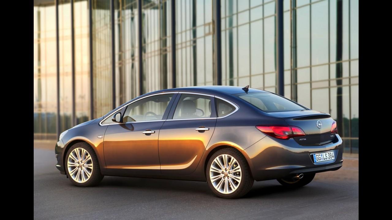 Novo Astra Sedan 2013 é revelado oficialmente... na Alemanha