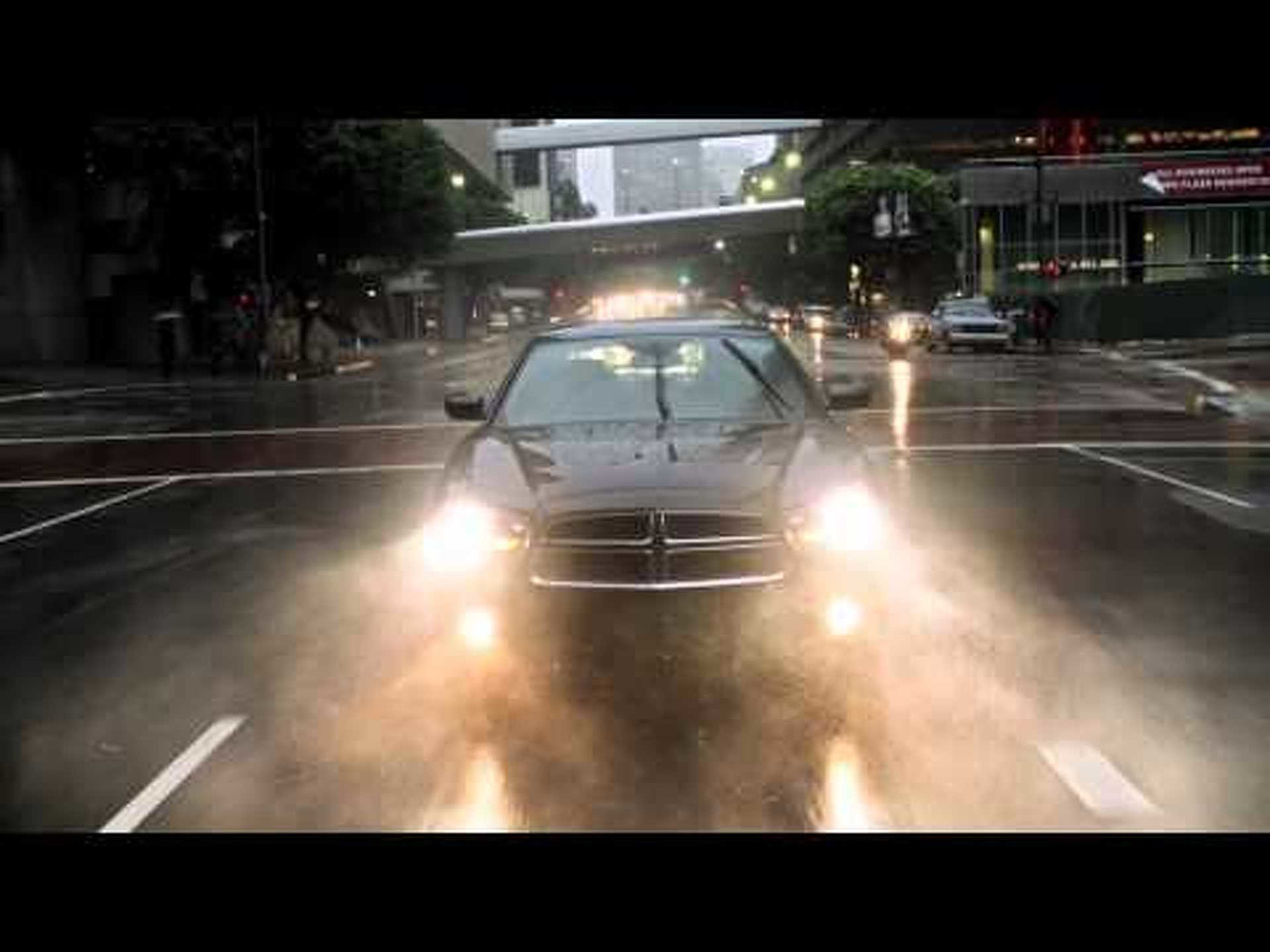 2011 Dodge Charger Commercial |