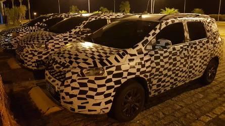 Flagra - Nova Chevrolet Spin terá design inspirado no Cobalt