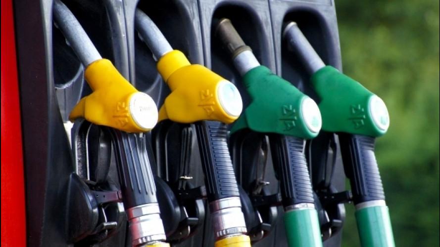Prezzi benzina, possibile rincaro di 2 centesimi per il terremoto