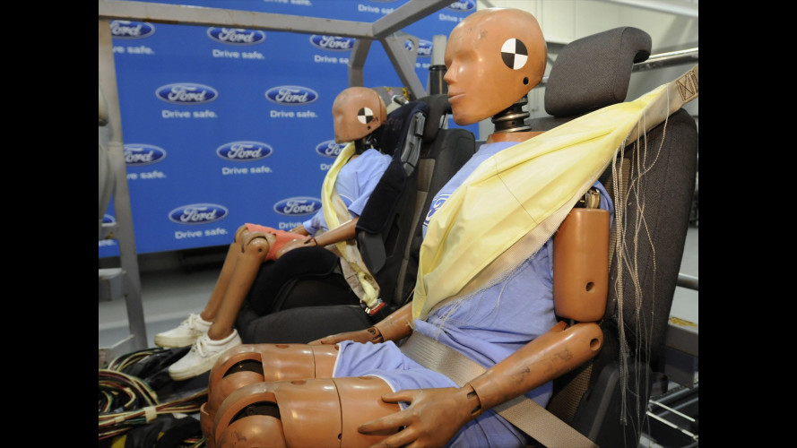 Ford lancia le cinture di sicurezza gonfiabili