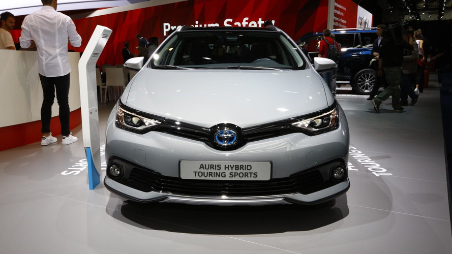 Toyota Auris Sports Touring Freestyle Debuts With Cosmetic Tweaks