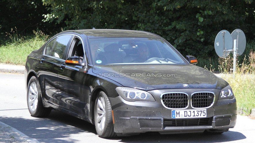 2012 BMW 7-Series facelift spied with interior shots
