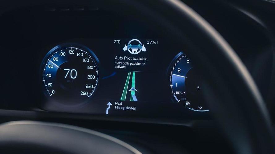 Volvo unveils their IntelliSafe Auto Pilot autonomous driving interface [video]