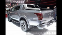Clone da nova Triton, picape Fiat Fullback veste traje especial para Genebra