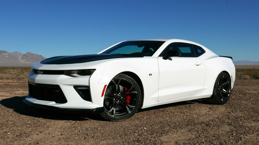 2017 chevy camaro 1le first drive set lap records on a budget. Black Bedroom Furniture Sets. Home Design Ideas