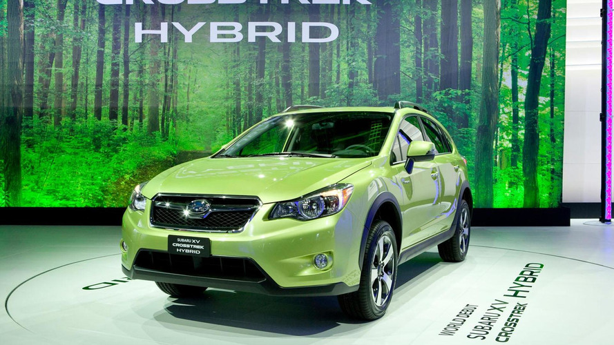 2014 Subaru XV Crosstrek Hybrid debuts in New York [video]