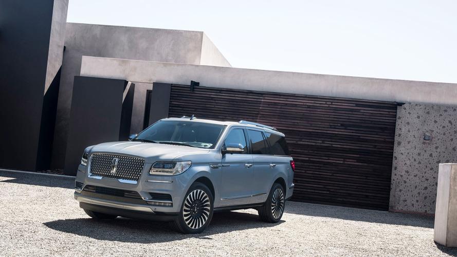 Továbbra is böszme darab a Lincoln Navigator: 450 lóerős full size SUV