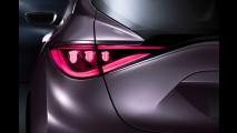 Infiniti Q30 Concept antecipa hatch médio baseado no Classe A