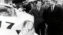 Ferdinand Piëch (right) and Gerhard Mitter (left) at the presentation of the Porsche 917 in 1969