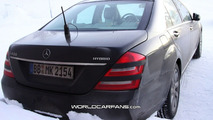 2010 Mercedes S-Class facelift spy photos