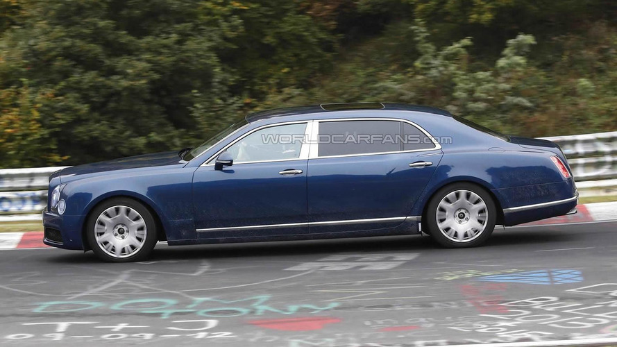 2016 Bentley Mulsanne and long wheelbase caught in motion [video]