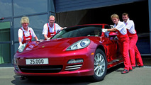 25,000th Panamera built in the Leipzig Porsche factory 29.07.2010