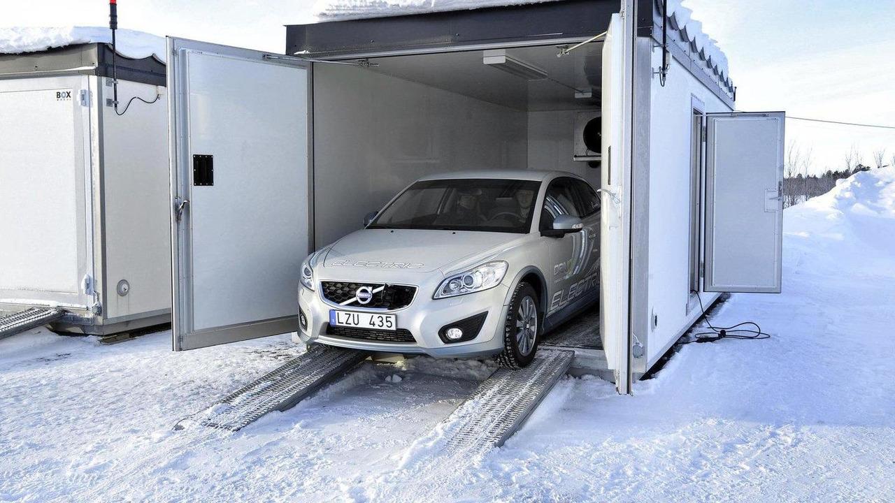 Volvo C30 EV testing cold 28.03.2011