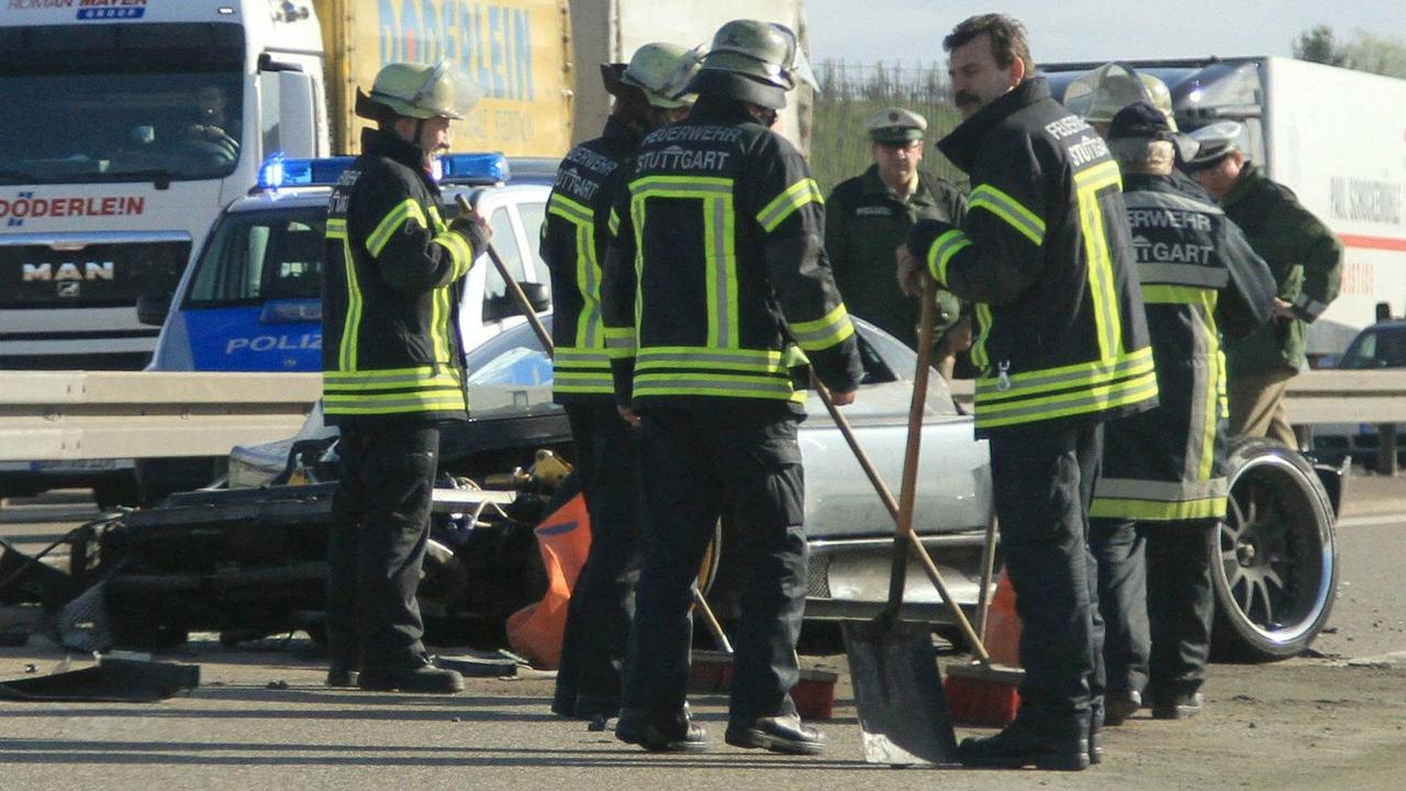 Pagani C9 prototype autobahn crash in Germany 31.03.2010