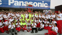 Jarno Trulli (ITA), Timo Glock (GER), Toyota F1 Team, John Howett (GBR), Toyota Racing, President TMG, Brazilian Grand Prix, Sunday, 18.10.2009 Sao Paulo, Brazil