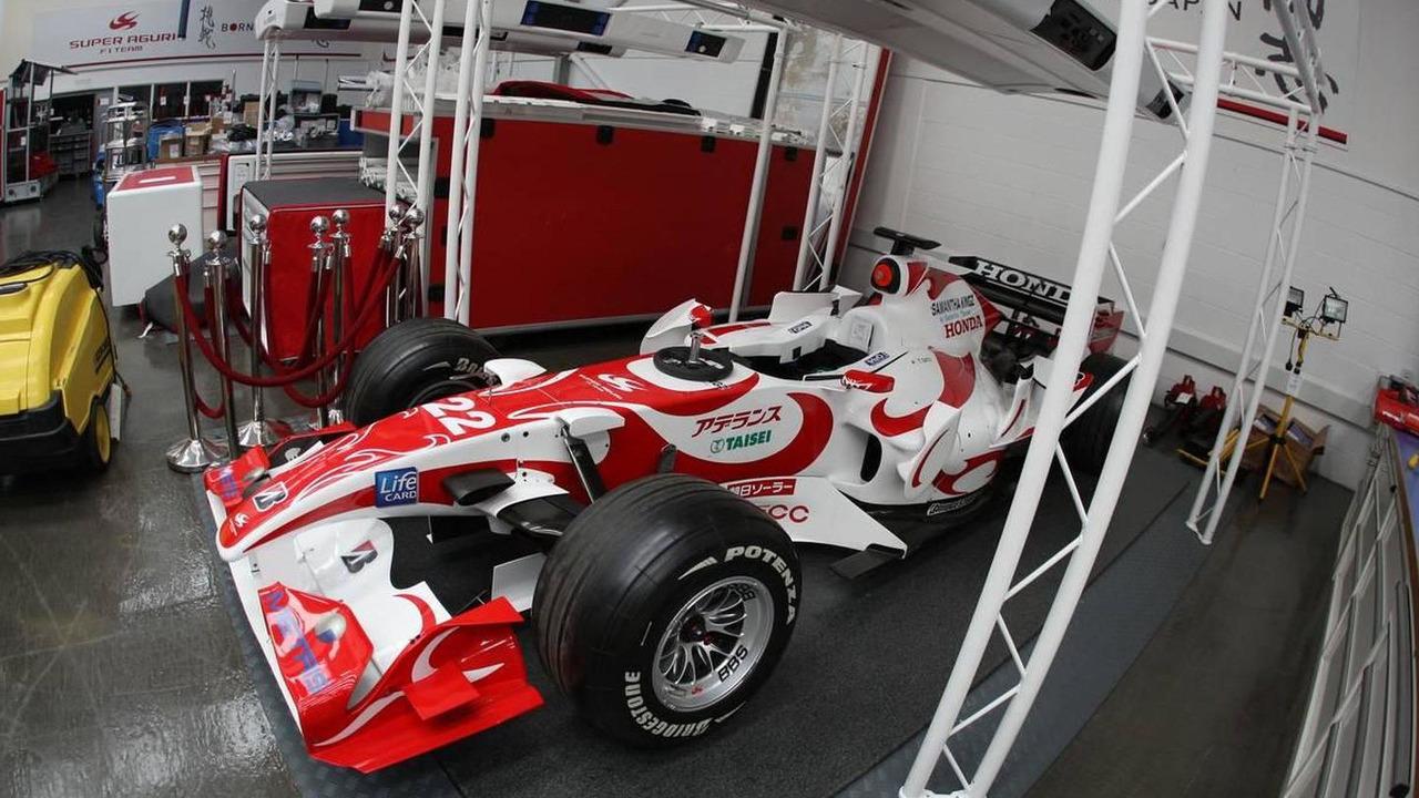 Items for sale in Super Aguri F1 Team Auction, Leafield Technical Centre, 28.07.2008 Oxfordshire, England