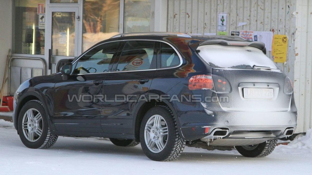 2011 Porsche Cayenne Diesel winter test spy photo - 22.02.2010