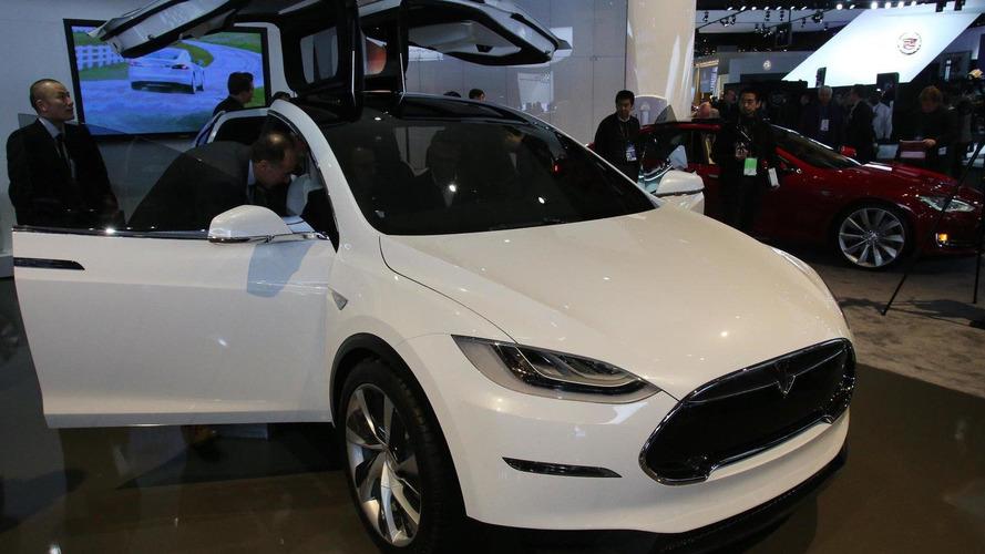 Tesla delays Model X until 2014 to repay loans earlier
